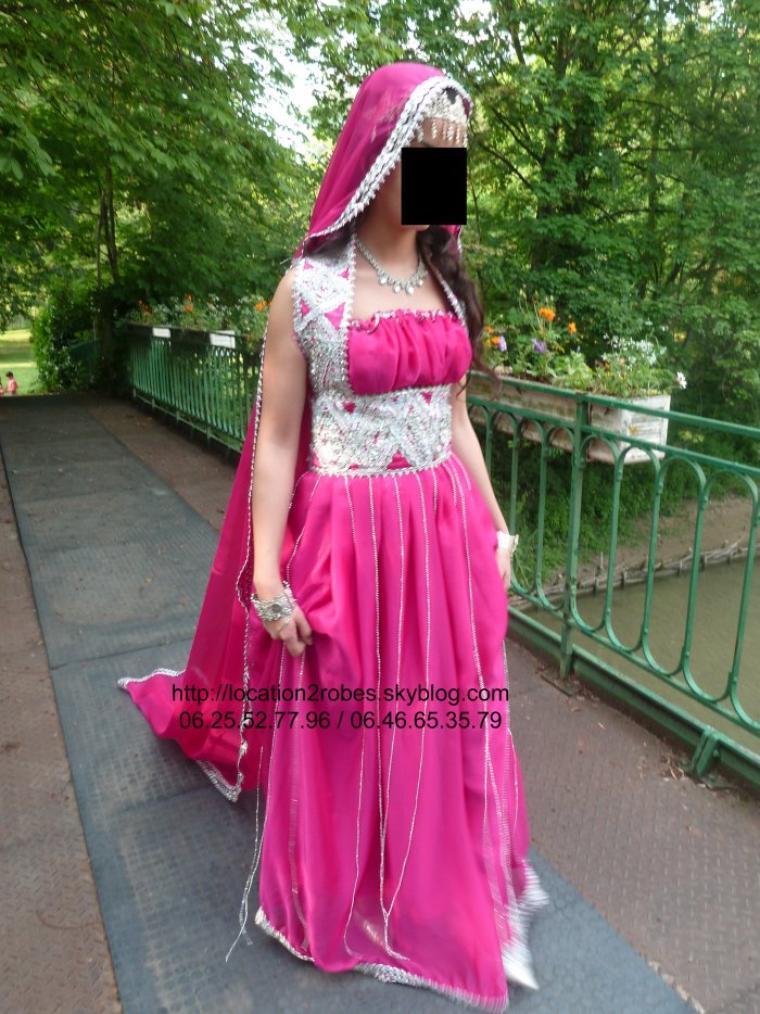Robe kabyle mariée Kaina fushia - Location de robes prestigieuses