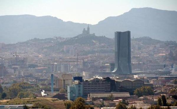 Marseille: Econduit, il tue sa petite amie en la renversant volontairement